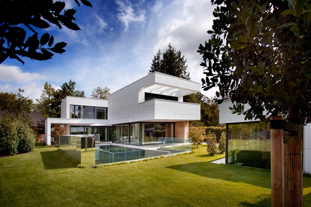 sparsame villa